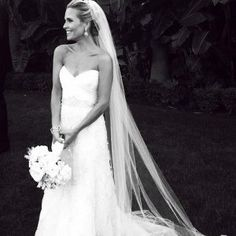 "Sally Pressman (Roxy of ""Army Wives"") -- Adore her dress and veil"