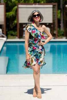 By - Pre-Summer Tropical Dress Giveaway! By Fresh Beauty Studio. Source by NikolBeauty - Fashion Over 40, Teen Fashion, Fashion Trends, Fashion Ideas, Fashion Tips, Fashion Edgy, Summer Fashion Outfits, Fashion Dresses, Spring Fashion
