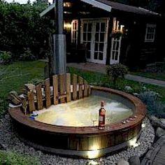 Hot Tub   Badezuber   Badefass   Badetonne   ISBJØRN
