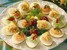Huevos rellenos - recetas para brunch y buffet - medio - Rezept - Ensaladas Egg Recipes, Brunch Recipes, Appetizer Recipes, Buffet Recipes, Brunch Buffet, Party Buffet, Party Finger Foods, Snacks Für Party, Tapas