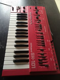 MATRIXSYNTH: Red Roland Sh-101 Vintage Analog Mono Synthesizer