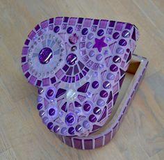 Paarse hartvormige doos met glasmozaiek van mimosaico op Etsy