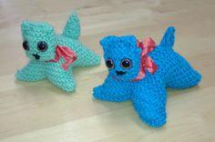 Kissa, 4 lk edestakaisneuletta Diy Crafts For School, Deco, Crochet Toys, Teaching Kids, Pikachu, Dinosaur Stuffed Animal, Textiles, Knitting, Children