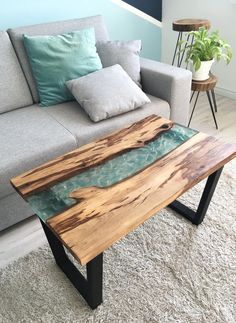 Wood Resin Table, Diy Craft Projects, Crafts, Resin Art, Living Room Designs, Woodworking Projects, Sweet Home, New Homes, Indoor