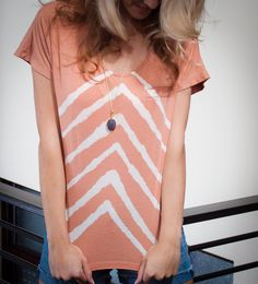 If too many ill fitting t-shirts are cramping your style, there's good news... there are tons of creative ways to transform your old tops into fantastic ne
