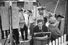 Alfred Eisenstaedt - Street artists at work, Paris, 1963.