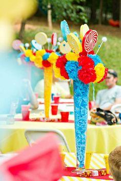 Centro de mesa de fiesta temática de feria o carnival. #CentrosDeMesa