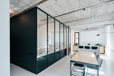 Gallery of Black and White Apartment / Crosby Studios - 3