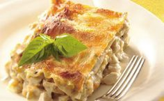 Creamy Chicken Lasagna with layers of tasty chicken and four cheeses. Cream Of Chicken Soup, Creamy Chicken, White Chicken, Canned Chicken, Roasted Chicken, Basil Chicken, Garlic Chicken, Chicken Lasagne, Chicken Carbonara