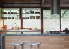 mid-century-kitchen-remodel. photo by stuart gow