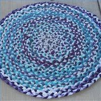 """Cool Tutorial for making a """"Rag Rug"""". I love this blog, I've been reading it for a while and she always has interesting things. :)"""