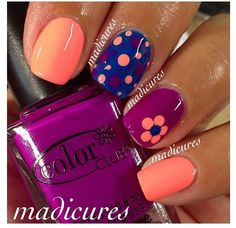 Cute. Simple. Nail art.
