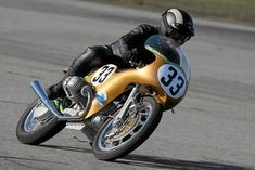 BMW Imola 750cc of Helmet Dähne ~ Return of the Cafe Racers