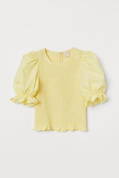 Top with Smocking - Light yellow - Ladies Hm Outfits, Cute Summer Outfits, Fashion Outfits, Fashion Tips, Fashion Weeks, Spring Outfits, H&m Tops, Crop Tops, Smocks