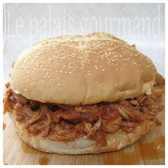 Le palais gourmand: Épaule de porc barbecue en mijoteuse Le Palais, Pulled Pork, Barbecue, Hamburger, Crockpot, Beef, Ethnic Recipes, Food, Ricardo Recipe