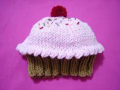 Emiza 'Sevgiyle yapılan el sanatları': Örgü 'Cupcake' Bebek Şapkası / Knitted Cupcake Hat