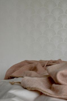 Tapet Mimou Blanket, Wallpaper, Bed, Design, Stream Bed, Wall Papers, Rug, Blankets, Tapestries