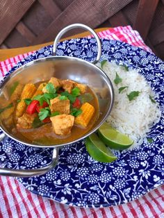 Low Syn Thai green chicken curry for Slimming World dinner ideas! Slimming World Curry, Slimming World Fakeaway, Slimming World Dinners, Slimming World Chicken Recipes, Chicken Lunch Recipes, Slimming World Recipes, Thai Green Chicken Curry, Green Curry, Jamaican Curry