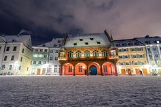 Freiburg historisches Kaufhaus Mansions, House Styles, Home Decor, Department Store, Freiburg, Decoration Home, Manor Houses, Room Decor, Villas