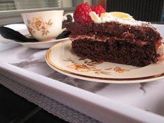 I love my home: Vadelmainen suklaakakku