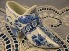 Porceleyne Fles Porcelain ~ANTIQUE DUTCH 1895 DELFT SHOE ~by Thooft & LaBouchere | eBay