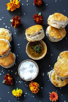 Vegan Cooking Tips: How to Properly Salt Your Food Food Photography Props, Photography Tips, Photography Tutorials, Tonifier Son Corps, Food Blogs, Fall Recipes, Dinner Recipes, Scones, Food Styling