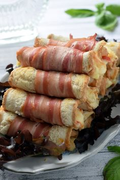 Roladki z chleba tostowego – Smaki na talerzu Best Appetizer Recipes, Cheese Appetizers, Appetizers For Party, Salad Recipes, Grill Party, Food Trends, Food To Make, Easy Meals, Food And Drink