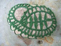 etwas aus der Art geschlagen … | die kreative Seite der Kirsten K....Crochet over stone!