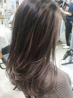髪の毛傷めずに外国人風カラー?ハイライトでつくる透明感たっぷりヘア (2ページ目)|MERY [メリー]