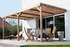 Pergola aus Holz ein gemütlicher Platz zum Essen und Relaxen im Freien unter der Pergola