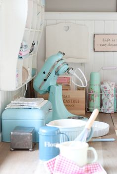 Minty House kitchen, KitchenAid, Mint, Green Gate