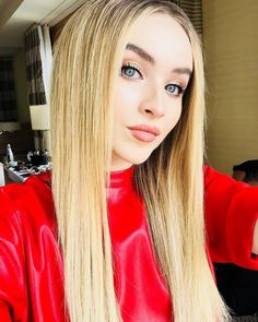 One of the most gorgeous humans on the face of the earth. Sabrina Carpenter Style, Beautiful Girl Makeup, Young Celebrities, Girl Meets World, Disney Channel, Celebrity Gossip, Beautiful Actresses, Role Models, Maya