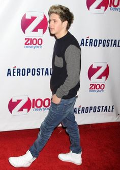 I just have to say that he looks to chill just walking on the red carpet for the jingle ball. You know an everyday thing