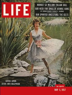 LIFE Magazine May 6, 1957 - Sophia Loren