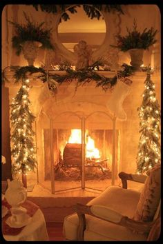 Things That Inspire: Merry Christmas! A few of my favorite holiday images. Christmas Fireplace, Christmas Mantels, Noel Christmas, Country Christmas, Winter Christmas, Christmas Lights, Christmas Decorations, Holiday Decor, Cozy Fireplace