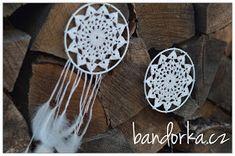 bandorka: Malá háčkovaná mandala Dream Catcher, Macrame, Mandala, Handmade, Home Decor, Dreamcatchers, Hand Made, Decoration Home, Room Decor