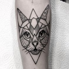 #tattoo#simple#tattooed#inkedgirl#silesia#cat#lines#dotwork#black