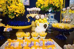 batizado-ovelha-azul-amarelo-decoranda-04 Flower Decorations, Wedding Decorations, Table Decorations, Yellow Party Themes, Yellow Desserts, Denim Wedding, Bridal Shower, Baby Shower, March Baby