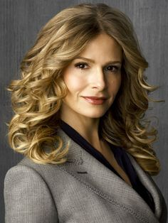 I'm not ashamed to say it, I love kyra sedgwick and I want my hair to look like this on my wedding day!