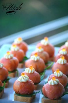 bombones de salmón ahumado comida familiar Slush Recipes, Easy Smoothie Recipes, Easy Smoothies, Good Healthy Recipes, Appetizer Recipes, Snack Recipes, Appetizers, Caramel, Party Finger Foods
