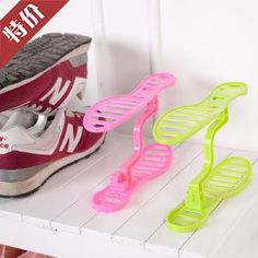 Hot Sale 1 Pair Creative Design Space Save Shoes Rack Shoe Storage Shelf Shoes Rack Organizer Keeper Unisex