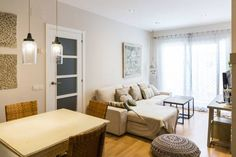 Sitges Center Apartment Sitges Situated in Sitges, this air-conditioned apartment features free WiFi and a balcony. The apartment is 300 metres from Sitges Convention Bureau.  The kitchen is fitted with a dishwasher, an oven and a microwave, as well as a coffee machine.