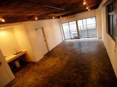 候補物件、スケルトンさっぱり。床はこれでも気にならない。天井やっちゃうと今度は戻すのが大変だな。