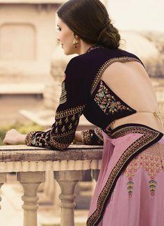 Explore from latest collection of lehengas online. Shop for lehenga choli, wedding lehengas, chaniya choli, ghagra choli & designer lehengas in variety of colors. Lehenga Choli Designs, Choli Blouse Design, Fancy Blouse Designs, Bridal Blouse Designs, Blouse Neck Designs, Ghagra Choli, Lehenga Choli Wedding, Banarasi Lehenga, Blouse Styles