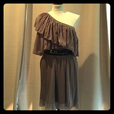 MM Couture Knife Pleat One-Shoulder Dress MM Couture knife pleated, tiered, one-shoulder dress in taupe. Can be belted or worn with a long necklace. Great for a summer wedding! Worn once, great condition. MM Couture Dresses One Shoulder