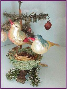 Glass Birds with Nest - I love birds - I love Christmas - I love vintage ornaments! Antique Christmas Ornaments, Christmas Bird, Christmas Past, Victorian Christmas, Primitive Christmas, Vintage Ornaments, Retro Christmas, Vintage Holiday, Christmas Holidays