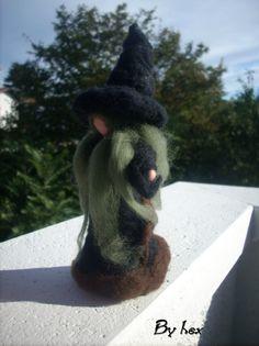Black Witch. needle felted. Carded wool Strega Nera. needle felted. Lana Cardata