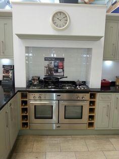 Wicks kitchen heritage Kitchen On A Budget, New Kitchen, Kitchen Decor, Kitchen Design, Kitchen Ideas, Howdens Kitchens, White Kitchens, Hub Home, Kitchen Cabinet Remodel