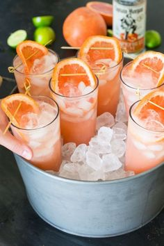 The Big Freeze Cocktail: Grapefruit Rum, guava nectar, club soda, lime juice (rum cocktail recipes) Snacks Für Party, Party Drinks, Cocktail Drinks, Drambuie Cocktails, Rumchata Cocktails, Vodka Sangria, Martini Party, Cocktail Ideas, Refreshing Drinks