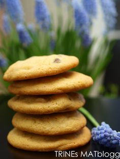 Chocolate chip cookies – kjeks med sjokoladebiter   TRINES MATBLOGG Brownie Cookies, Chocolate Chip Cookies, Holidays And Events, Chips, Food And Drink, Baking, Breakfast, Health, Desserts